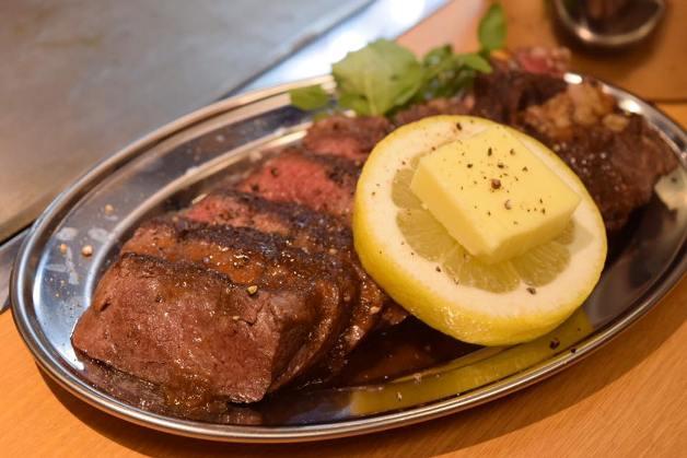 「鉄板酒場ユタカ」でアツアツ鉄板料理と「プレモル」&「ビームハイボール」を味わおう♪