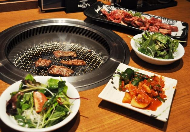 【ジ アウトレット広島】「萬まる(まんまる)」で本格焼肉と「ザ・モルツ」を堪能しよう!