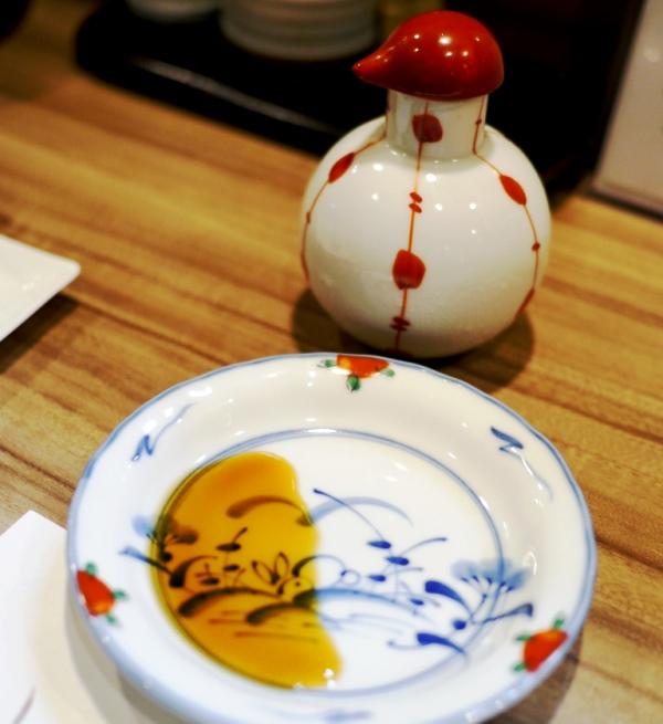 【札幌100マイル編集長オサナイミカの飲み食べ探訪記】第4回目は「プレモル」超達人店「酒房 樂(しゅぼう がく)」