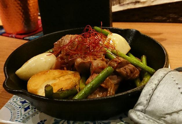 【すすきの】「スパイス料理とクラフトジン 109-TOKU-」でこだわりのスパイシーな料理を堪能しよう!