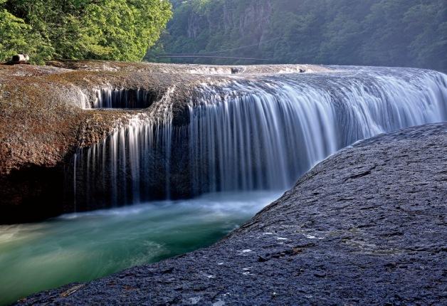 見所は「吹割の滝」