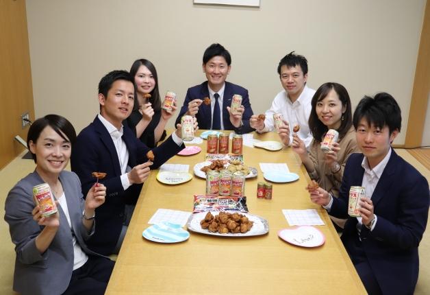 【味の素冷凍食品×サントリー特別対談】「トリ×カラ」を楽しもう!「八幡屋磯五郎」の七味が当たるキャンペーンも実施♪