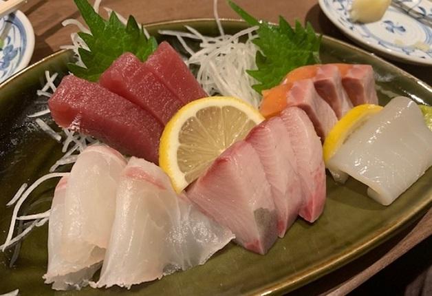 安くてうまい!「大衆酒場マルリキ十三店」で新鮮刺身や中華を堪能しよう!