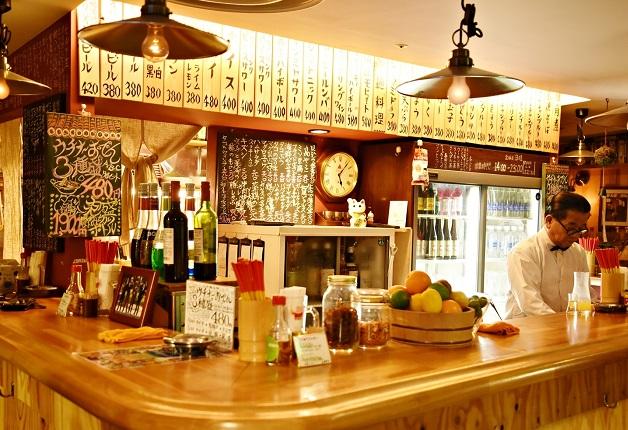 【ケイさんノブさんと行く!大阪駅ビル名店巡り】昭和レトロなお店を楽しもう「スタンド ミルクホール」