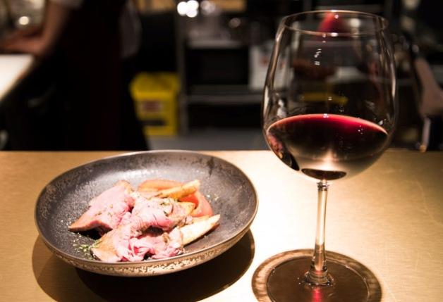 【ざ らくちん室町横丁】本格的な味を気軽にいろいろ楽しめる♪「小皿料理とワイン フレンチマンJr.」(京都)