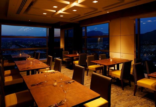 【プレミアムフライデー特別プラン】ホテル最上階のディナーバイキングとシャンパン飲み放題♪京都ホテルオークラ「オリゾンテ」