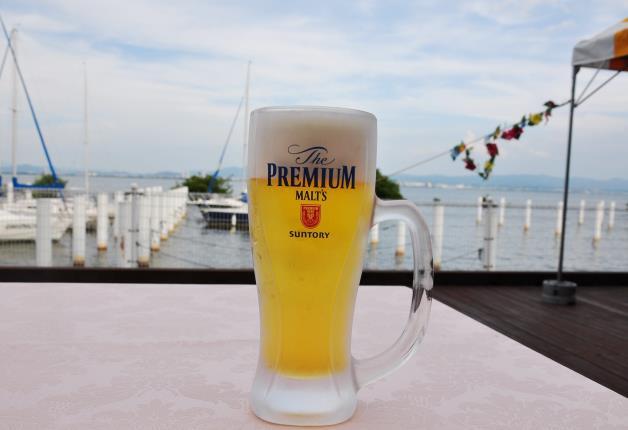 目の前は琵琶湖♪開放感あふれる「KKRホテルびわこ」のビアガーデンで楽しもう!(滋賀・大津市)