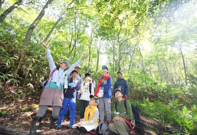 【レポート】サントリー水育(みずいく)「森と水の学校」奥大山校に約480名の親子が参加!大自然の中を冒険しました♪