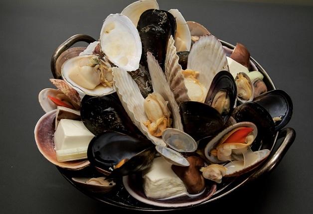 口いっぱいに広がる旨味を堪能!珍しい貝から季節限定の貝まで!「貝と魚シェルハラ」(兵庫・三ノ宮)