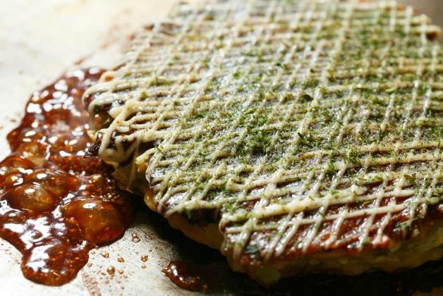 お好み焼きにステーキも!「Plancha」の鉄板焼きと「〈香る〉エール」で乾杯(大阪・西本町)