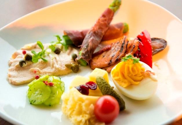 「スイスホテル南海大阪」36階の「タボラ36」で本場スイスの美しい料理と「プレモル」を味わおう♪~前編~