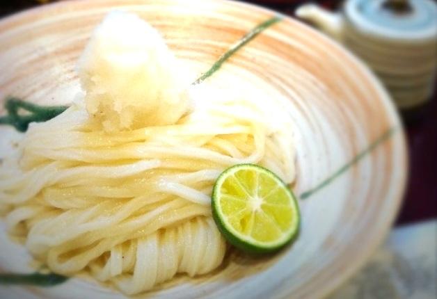 打ちたての本格うどんがおいしい「活麺 富蔵」で「ザ・プレミアム・モルツ」を愉しもう!(大阪・四條畷)