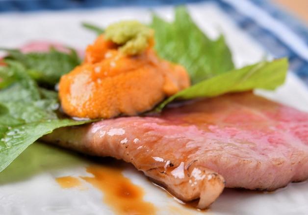 リーズナブルな絶品お寿司やこだわりの一品料理をつまみに「ザ・プレミアム・モルツ」を堪能しよう♪「すし酒場 さしす」 (大阪・梅田)