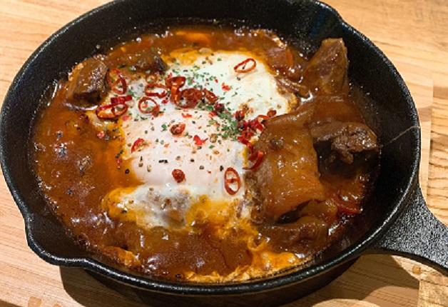 自慢の肉料理やオシャレな創作料理を「翠ジンソーダ」とともに堪能しよう♪「カフェ ダイニング メロウ  宝塚」(兵庫・宝塚)