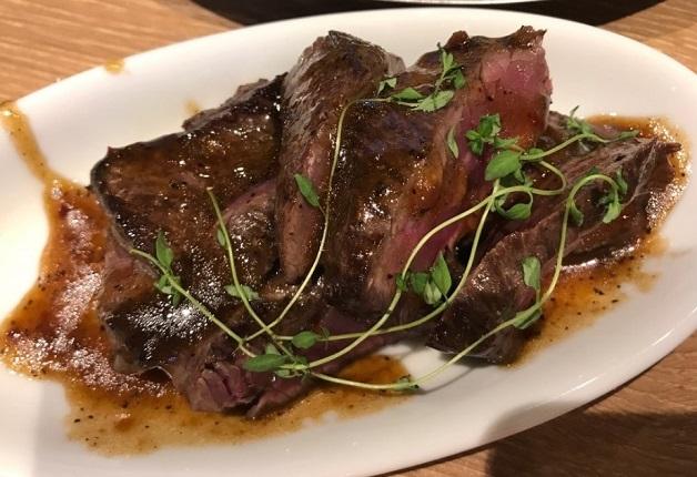 こだわりの肉料理を「ザ・プレミアム・モルツ〈香る〉エール」とともに堪能しよう♪「サンキューバル 新大宮店」(奈良・大宮町)