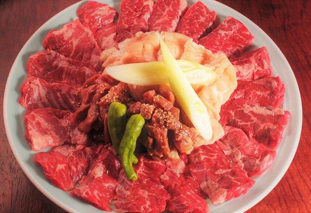 デザイナー設計のおしゃれな空間が自慢の「焼肉 肉どうし」で味わい深い絶品の焼肉を「翠ジンソーダ」や「ザ・プレミアム・モルツ」とともに堪能しよう!(大阪・北浜)
