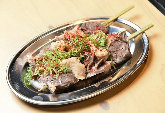 多彩なホルモン料理を「ザ・プレミアム・モルツ」とともに堪能しよう♪「焼肉ホルモン 大松 西宮北口店」(兵庫・西宮)