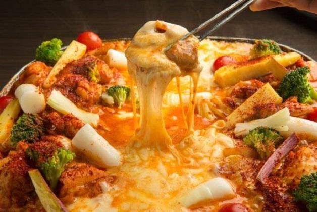 自家製ソースで味わう「チーズタッカルビ」と「プレモル」で乾杯♪「わらいや 泉南ロングパーク店」(大阪・りんくう南浜)