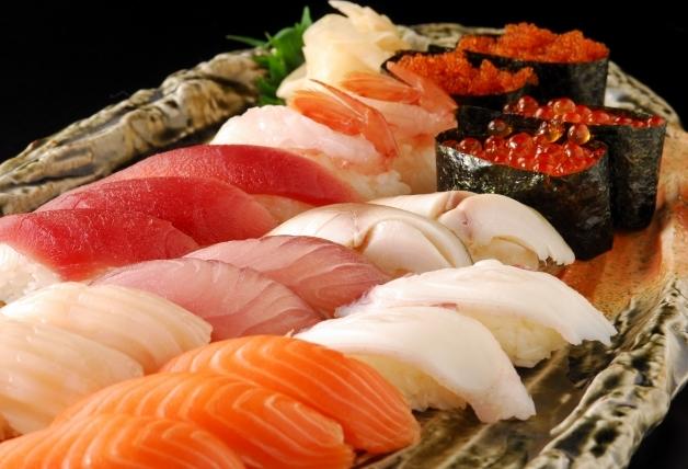 たくさんの種類の握り寿司