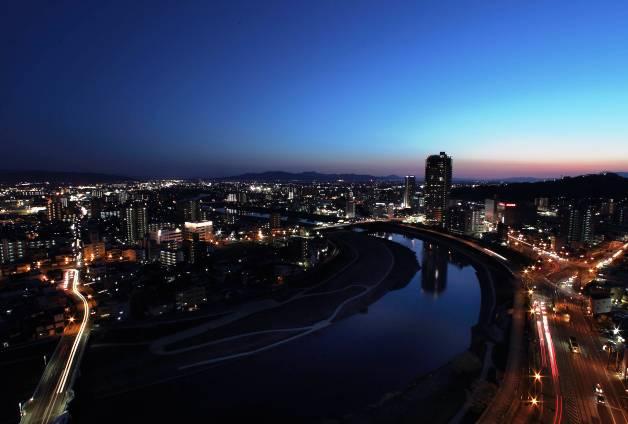 「ANAクラウンプラザホテル熊本ニュースカイ」からの熊本の夜景