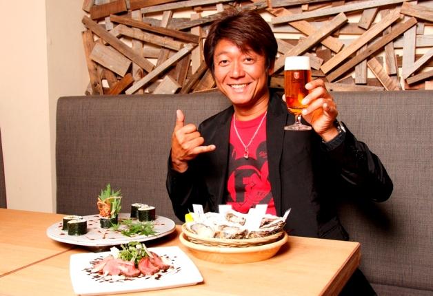 【プレモル大使DJ EIJIの活動日記】「BEER HALL BASSIN」で新鮮なカキと4種の「プレモル」を堪能♪