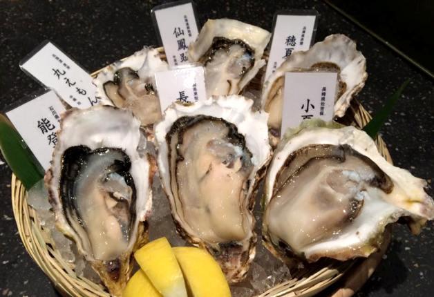 6種類の新鮮な生牡蠣