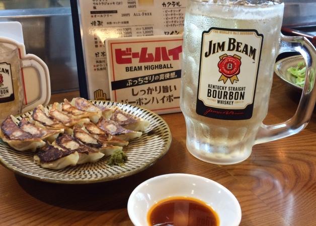 リーズナブルで旨い「極虎餃子」の西鉄久留米店オープン!ガッツリ肉メニューと「ビームハイ」で乾杯♪