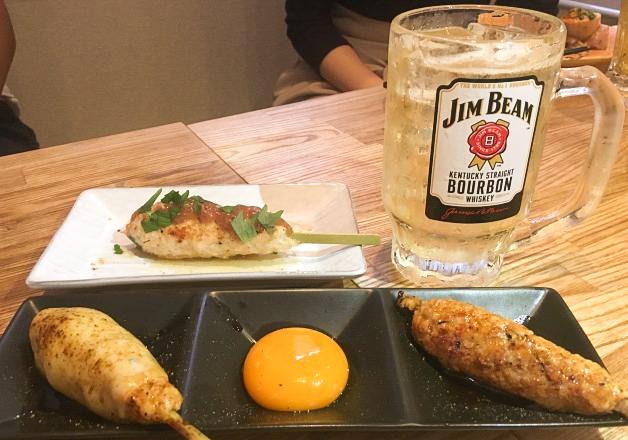 【福岡・渡辺通駅】おしゃれな雰囲気の「焼鳥のえーす 春吉店」!ジューシーな「つくね」と「ビームハイボール」で乾杯