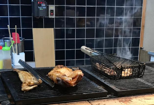 福岡県飯塚市「炉ばた 高(たか)」で香ばしく焼き上げた海鮮炉ばた焼きを楽しもう♪