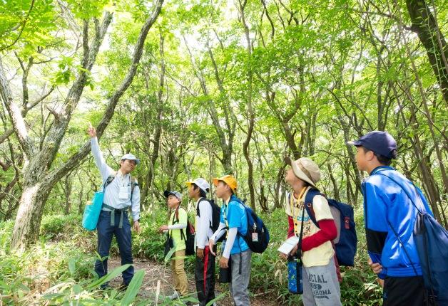 【レポート】サントリー水育(みずいく)「森と水の学校」阿蘇校に約570名の親子が参加!大自然の中を冒険しました♪