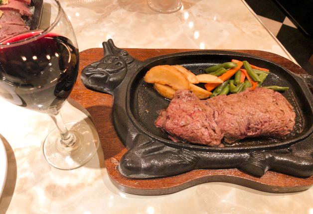 「ステーキハウス88 北谷店」で、本場アメリカンスタイルのステーキを堪能しよう!(北谷町)