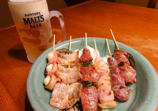 【うちなー料理も充実】「炭焼家 土間」(沖縄市上地)の炭焼メニューと「ザ・モルツ」で楽しいひととき♪