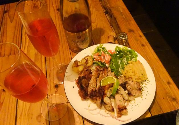 【パパズキッチン ダイニングカフェ】創作イタリアンと「アンジュエール ロゼ」で乾杯しよう♪(沖縄市高原)