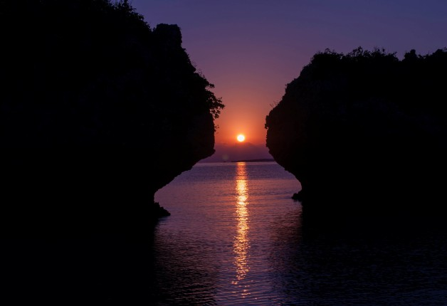 okinawa_first_sunrise_hamahigashima