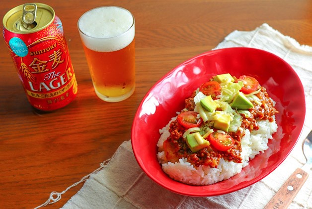 (終了しました)「金麦」を飲んでもらっちゃおう♪「絶対もらえる!夏のあいあいカレー皿」キャンペーン!沖縄風タコライスカレーのレシピもご紹介