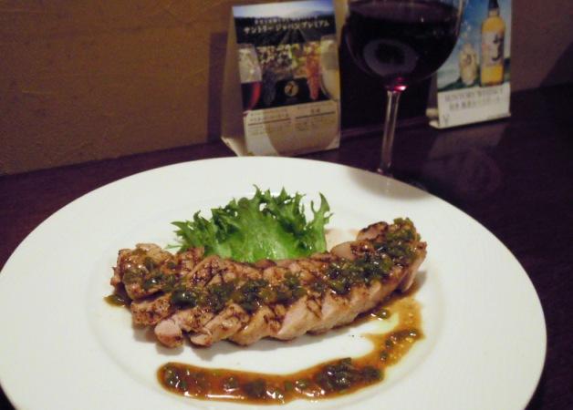 【担当者おすすめ】甲府のレストランバー「ALFIE Restaurant Bar」「ジャパンプレミアム」がグラスワインで楽しめる!