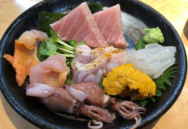 葛飾区高砂「寿司ダイニング すすむ」で新鮮魚介を使った江戸前寿司と「プレモル」を楽しもう♪