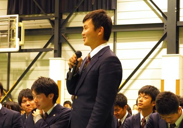 質問をする気仙沼向洋高校の生徒
