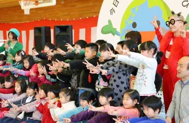 (動画追加)うたっておどってみんなでピース!南流石さんと白井貴子さんによる歌とダンスのイベントを開催しました