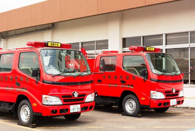 「サントリーレディスオープン2014」のチャリティ金で宮城県名取市に消防車両を寄贈しました