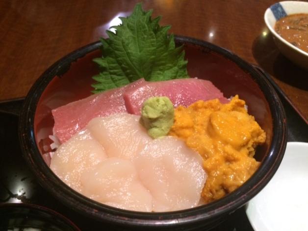 【北海道新幹線をご利用の皆さん必見!】新青森駅の駅ナカで一杯楽しめる♪寿司海鮮居酒屋「魚っ喰いの田」
