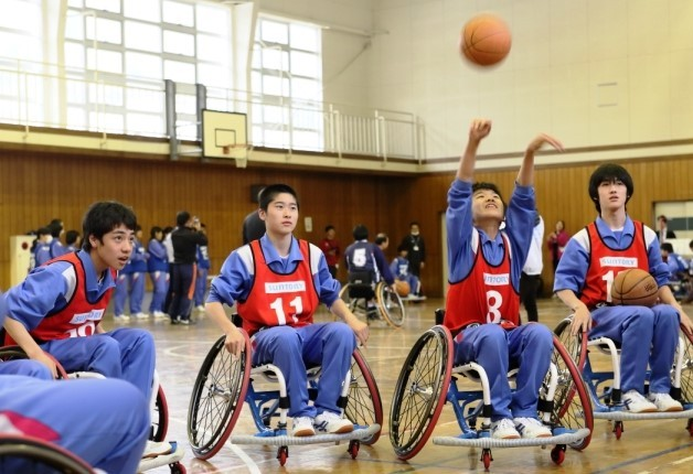 岩手県大槌町で「アスリート・ビジット」開催!パラリンピアンと一緒に車椅子バスケを体験しました