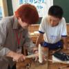 福島県南相馬市でも「おもしろびじゅつ教室」を実施!子どもたちが「金工」を体験しました