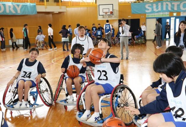 車椅子バスケの楽しさを体験♪福島県広野中学校にて「アスリート・ビジット」を開催しました!