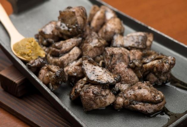 【四日市駅そば】炭火焼と和食「いっちゃが」で伊勢赤鶏を宮崎名物の黒焼きで味わおう!