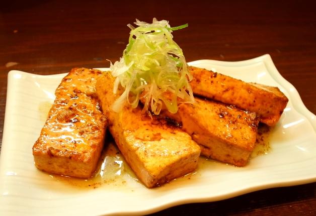 ごかやまとうふを使ったあつあつの豆腐ステーキ!