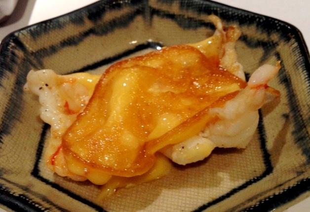 お皿に盛られた海老の鉄板焼き