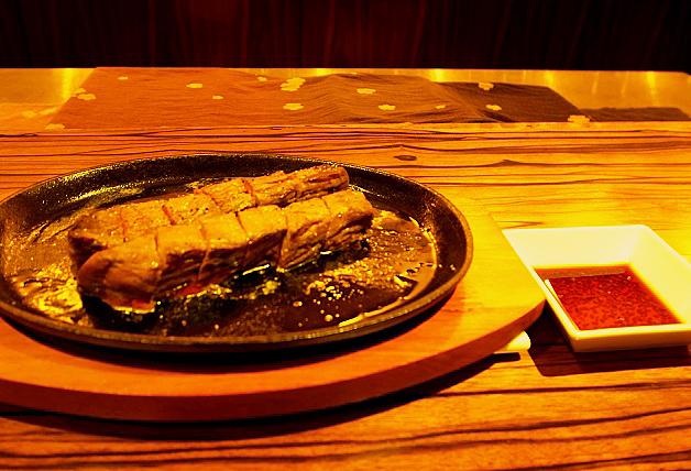 やわらかくジューシーな国産牛の肉厚ステーキ