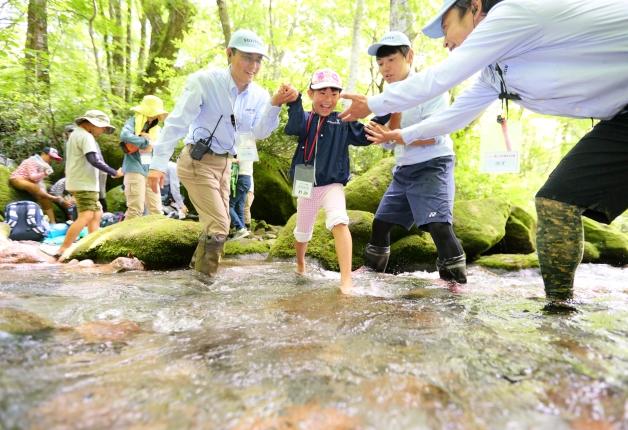 サントリー水育(みずいく)「森と水の学校」奥大山校