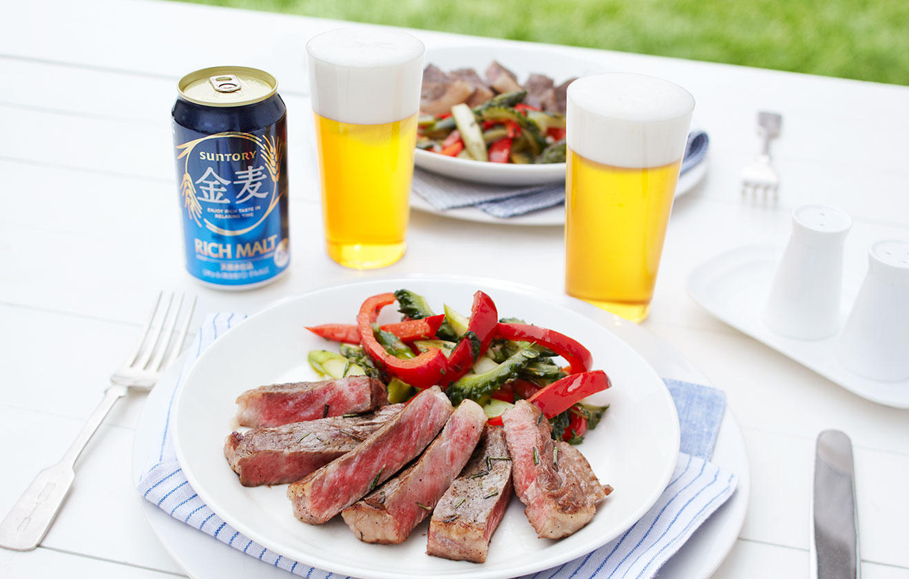 牛ステーキと夏野菜の焼きマリネの写真